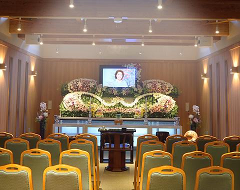 写真:ホール/祭壇