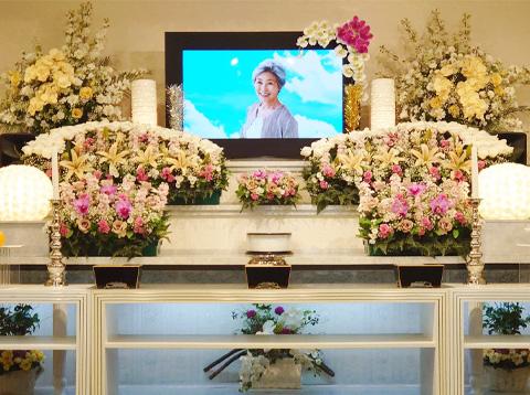 写真:ホール葬プラン